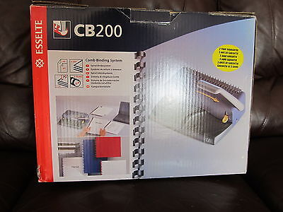 CB200 Esselte Comb Binding System. Original box and instructions. UK P&P inc