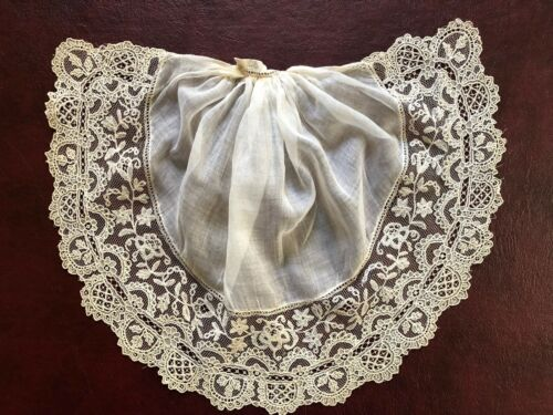 C. 1900 Jabot edged w Brussels mixed bobbin and point de gaz needle lace collar
