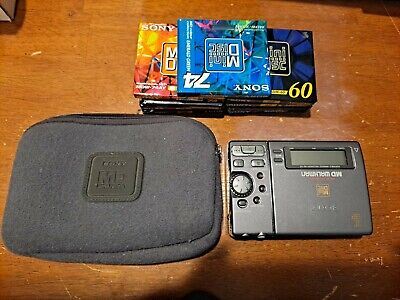 Sony MZ-R3 MiniDisc MD Walkman Player/Recorder with Case and 9 Discs