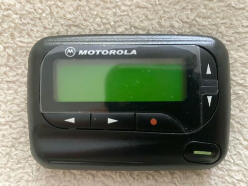 Motorola Advisor II POCSAG 900 MHz (929-932 MHz) One-Way Alphanumeric Pager