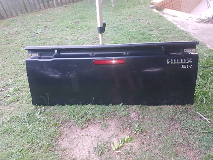 2008 toyota hilux tailgate