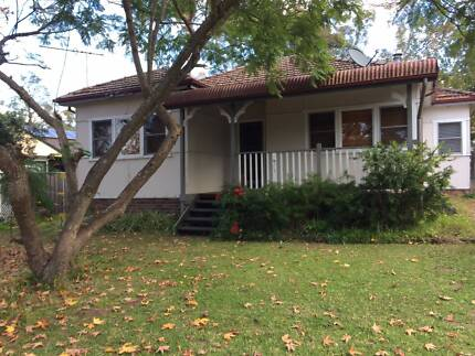 3 Bed freshly painted cottage at Blaxland