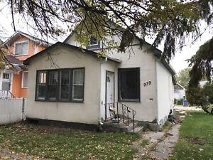 2 Bedroom House for Rent - Quiet & Safe Block