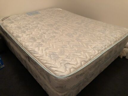 Quality queen size bed