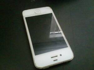 Iphone 4 Small crack near home button. Still works perfectly Rivervale Belmont Area Preview