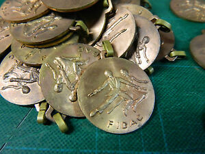 37 Médailles en bronze - France - 37 médailles en bronzeFIDAC Diamtre : 3,2 cm Ref : 12820 . ATTENTION : Les frais d'envois peuvent varier en fonction du prix atteint et de la destination de l'objet.Tout objet dont le prix dépasse 30 Euros sera expédié en recommandé. Merci d - France