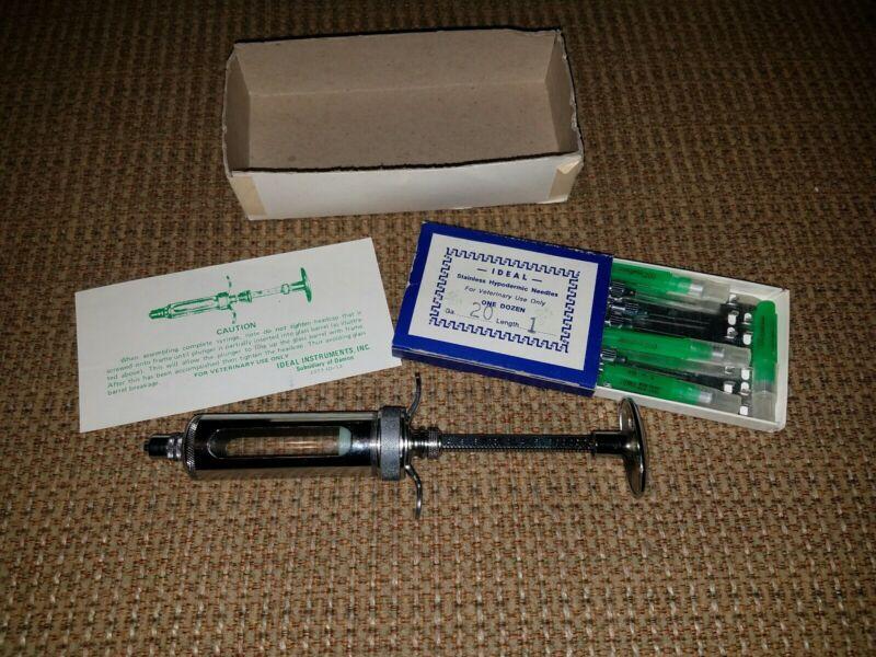 Ideal Veterinary Syringe Vintage 1073 ID-13 20cc plus 8 (assorted) needles