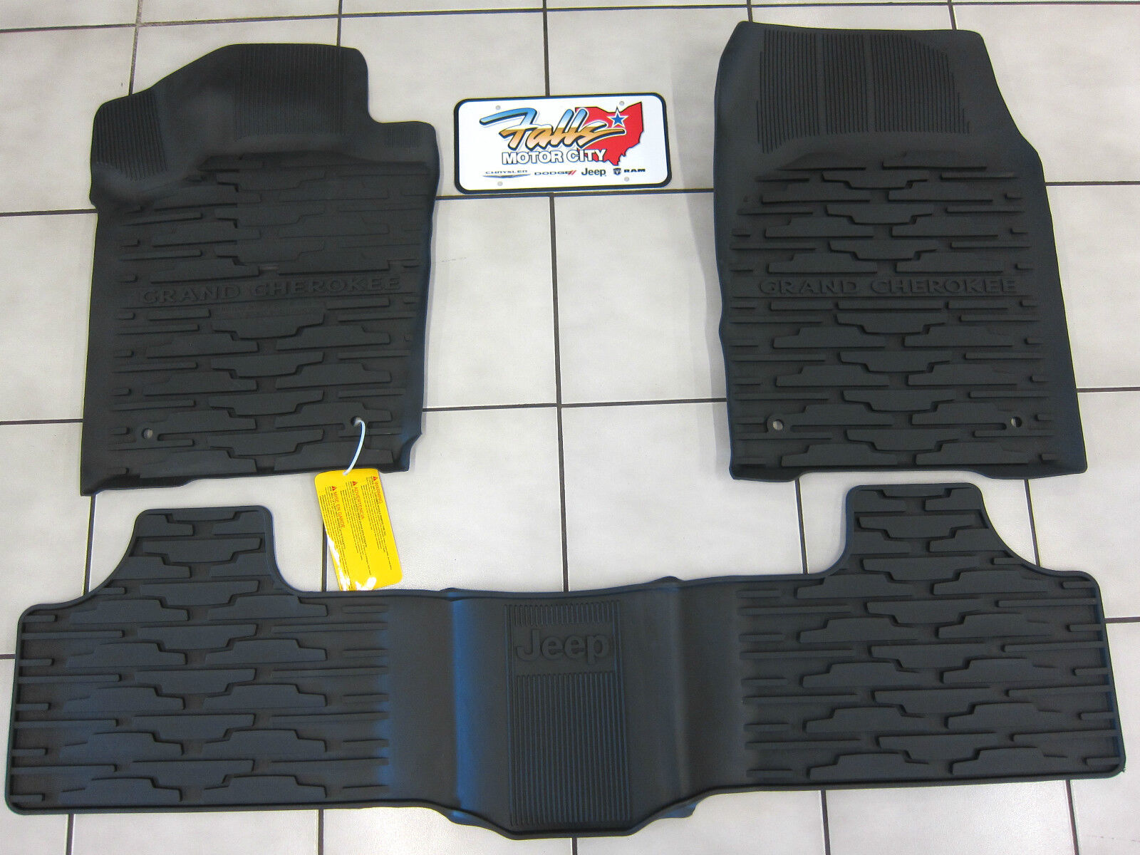 2013 2015 jeep grand cherokee rubber slush mats floor mats front rear mopar 840984136285 ebay. Black Bedroom Furniture Sets. Home Design Ideas