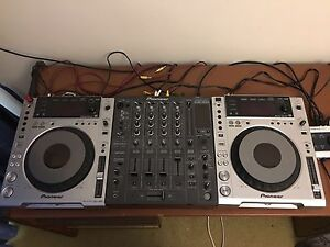 Pioneer cdj 850's + djm 800+ pioneer Road case +brand new serato sl4 Melbourne CBD Melbourne City Preview