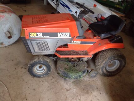 Ride on mower victa 39 inch Upper Coomera Gold Coast North Preview
