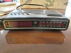 Vintage GE 7-4612B AM/FM Alarm Clock Radio Digital Retro General Electric