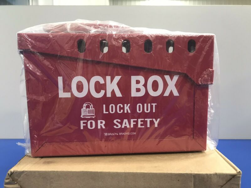 BRADY 65699 PORTABLE METAL LOCK BOX