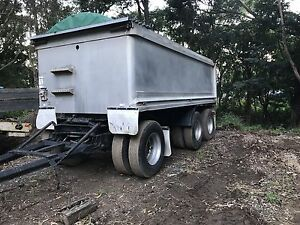 Dog Trailer Coledale Wollongong Area Preview