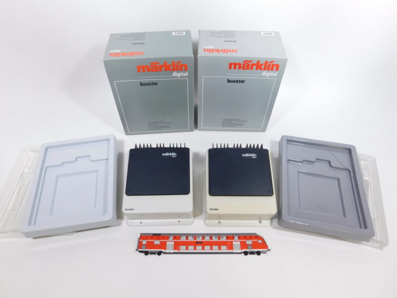 CS863-2 #2x Märklin Digital H0/AC 6017 Booster, 1x Somewhat Yellowed, Box