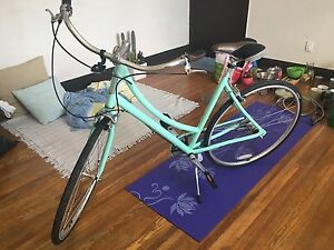 Globe Daily 1 3-Speed Cruiser Bicycle