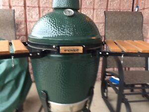 Cuisine plein air BBQ BIG GREEN  EGG