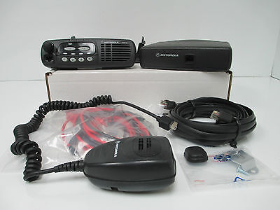 MOTOROLA CDM750 VHF 4 CH 45W 136 - 174 MHz WITH ACCESSSORIES USED