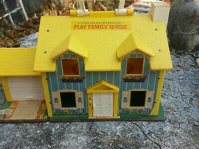 Vintage 1969 Fisher Price Little People Play Family House  #952 Working Doorbell