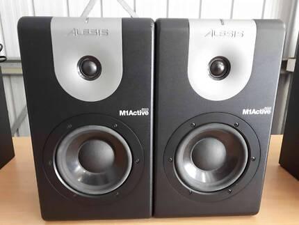 Alesis M1 Active 620 Studio Monitor Speakers