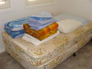 KING SIZE SINGLE BED - FREE TO PICK-UP Elanora Heights Pittwater Area Preview
