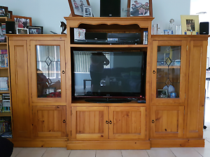 3 Piece Timber Entertainment Unit Nowra Nowra-Bomaderry Preview