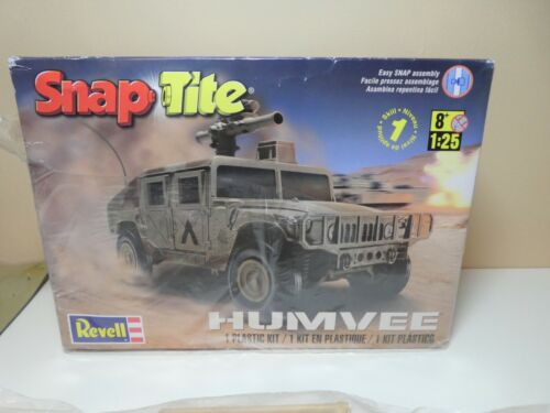 HUMVEE by Revell 1:25 scale plasticmodel kit- Snap Tite -  New (other)