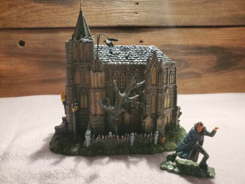 HAWTHORNE VILLAGE UNIVERAL MONSTERS DRACULA GOTHIC CATHEDRAL W/ FIGURINE W COA