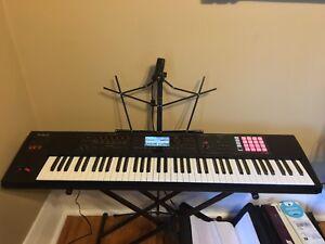Roland FA 07 76 Keys WorkStation