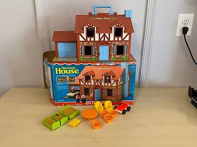 Old Vtg FISHER PRICE Tudor Play Family House With Original Box & Accessories