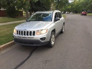 2011 Jeep Compass North Edition 4x4 **LOW KMS**