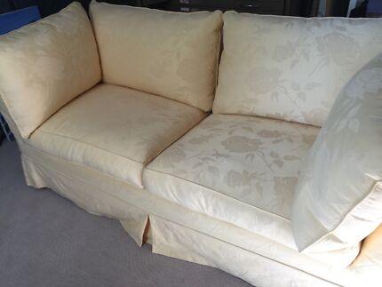 Beautiful Moran sofa bed.  Katoomba Blue Mountains Preview
