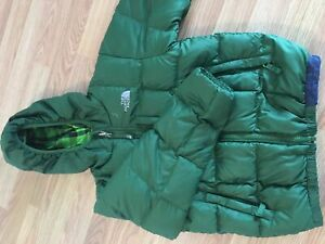 The North Face boys reversible down jacket size 6/7