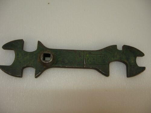 7- Way Universal CGA Tank Wrench-Vintage-Unknown-U.S.A.