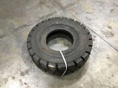 Carlisle 6.50-10 PWT Premium Wide Trac Forklift Tire #T336 E11PR6