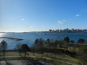 SPECTACULAR HARBOUR VIEWS - 2 BEDROOM CONDO IN ADMIRALTY PLACE