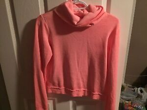 Guess sweater size medium