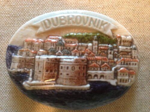 Dubrovnik Croatia ceramic souvenir pin brooch (missing back)