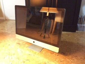 """27"""" iMac for parts A1312"""