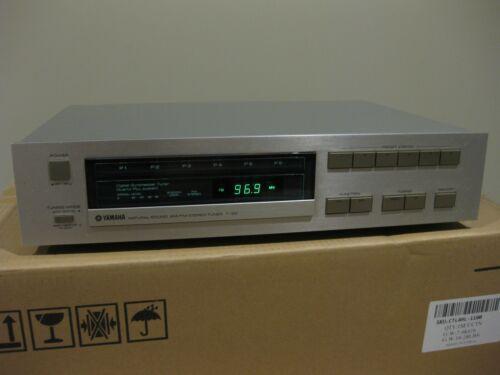 1982 Yamaha AM/FM Stereo Natural Sound Digital Tuner T-20