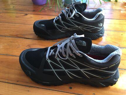 Brand New! Northface Ultra Endurance Goretex - men's size 9