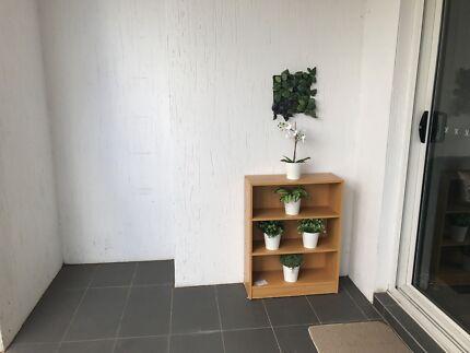 Book shelf n study desk n sandwich maker
