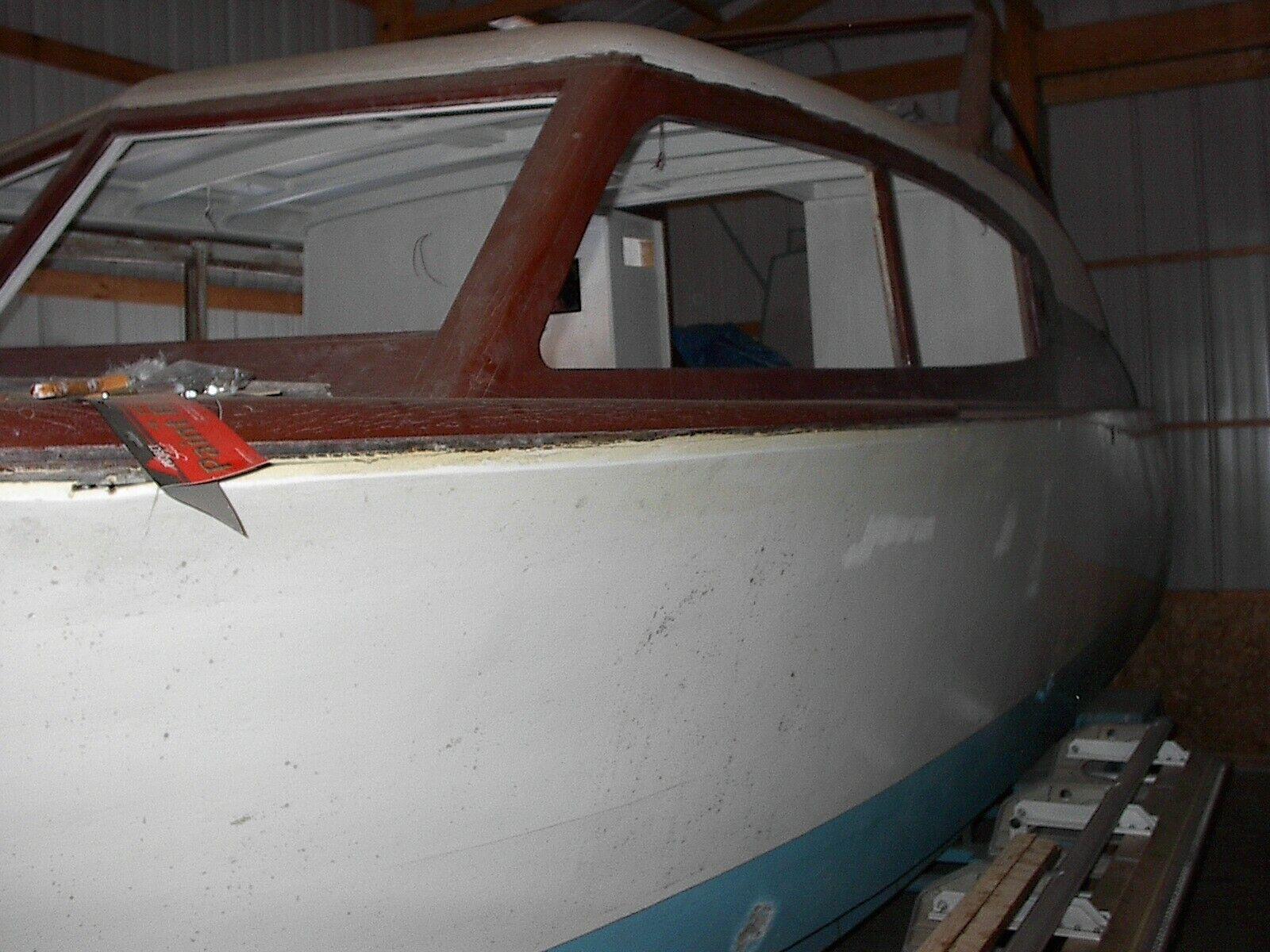 1957 Chris Craft 24 ft. Sedan Cabin Cruiser FlyBridge wood hull