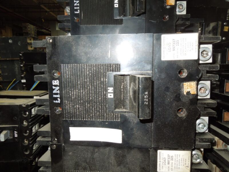 Square D Type Ml-3 997327 225a 3p 600vac Circuit Breaker Used