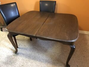 Antique Elm Dining Room Table Plus Chairs