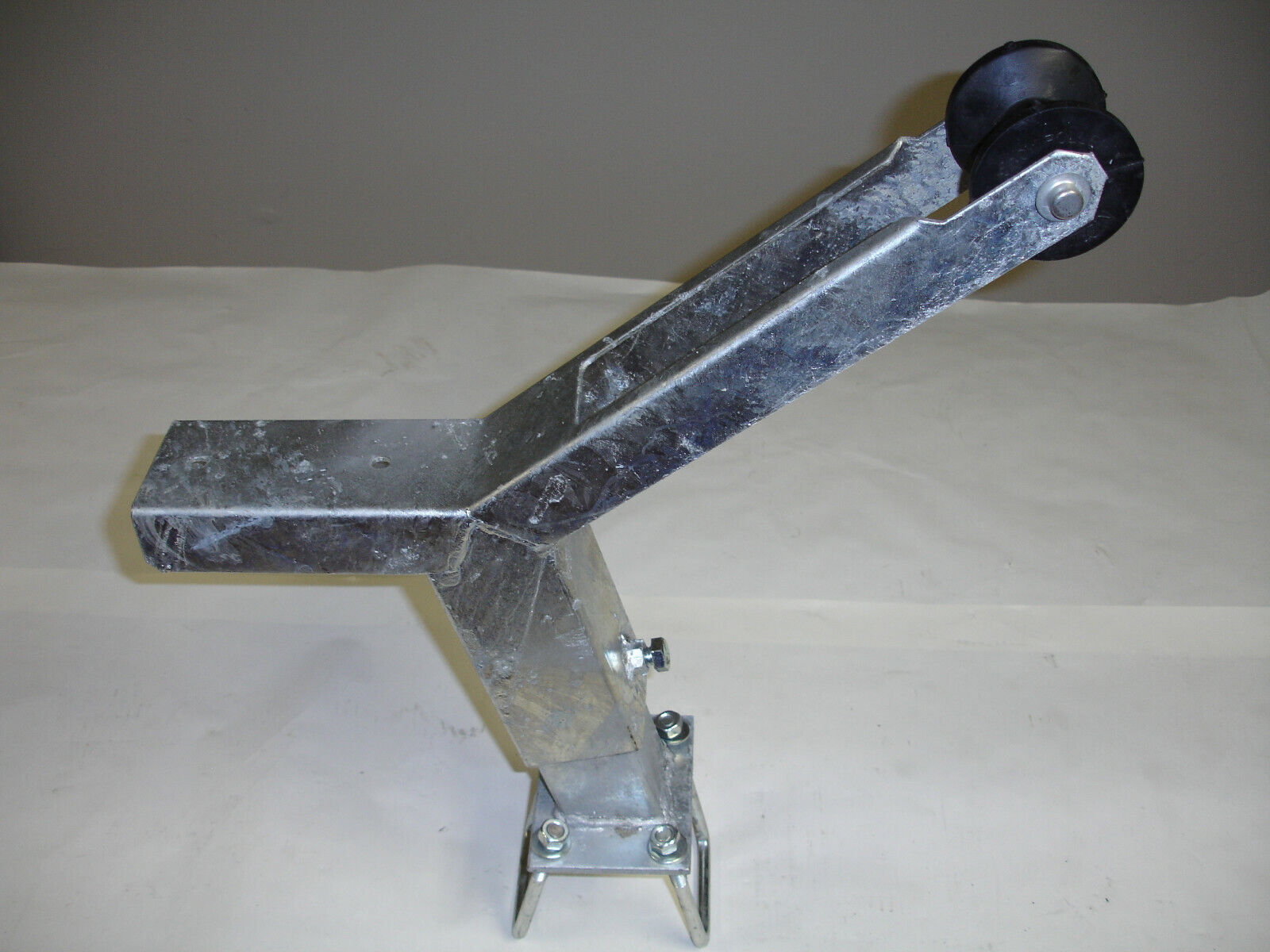 winch stand notched with roller and mounting