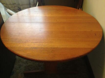Kitchen table dining tabe solid tasmanian oak Dining Tables