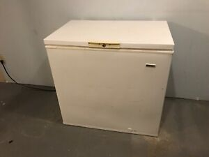Chest freezer 7 cubic foot white