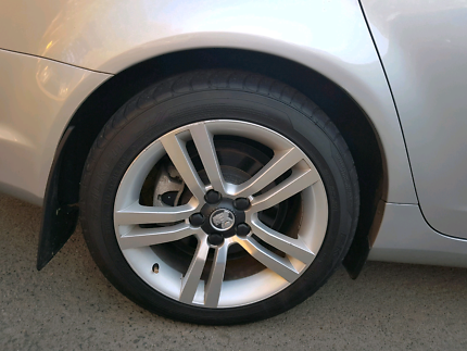 VE SV6 SS wheels and tyres.