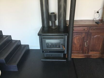 Real flame gas log heater Mordialloc Kingston Area Preview