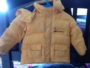 manteau automne/printemps   pour bébé. Marque TOMY HILIFIGER